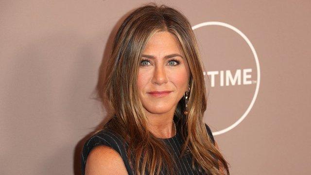"""Jennifer Aniston para concientizar sobre el uso de tapabocas: """"Háganlo por sus familias"""""""