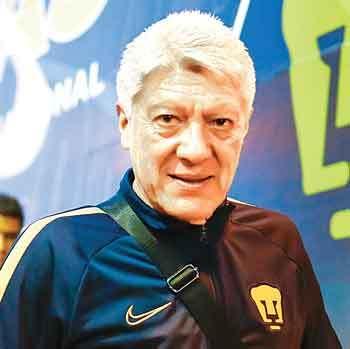 """Jesús Ramírez da """"entrenamiento mental"""" a sus jugadores"""