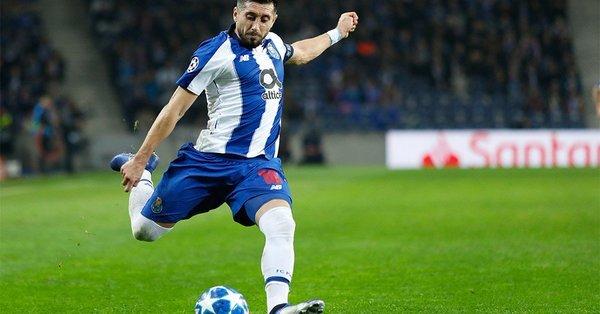 Héctor Herrera se despide del Porto con golazo