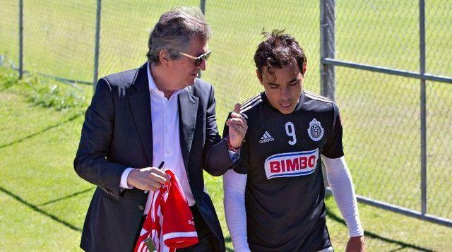 Jorge Vergara se despidió de  Omar Bravo