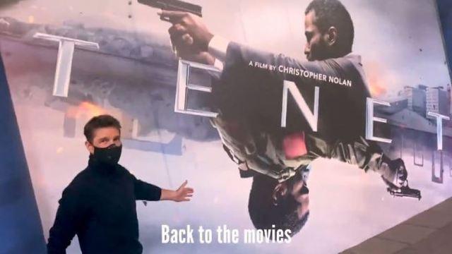 Tom Cruise sorprende y asiste al estreno de Tenet