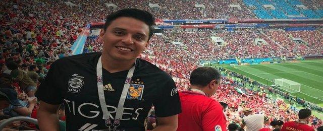 Aficionado de Tigres es sacado del estadio por la playera