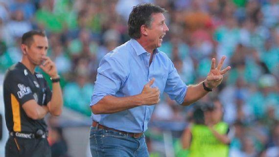 Robert Dante Siboldi renuncia a Santos