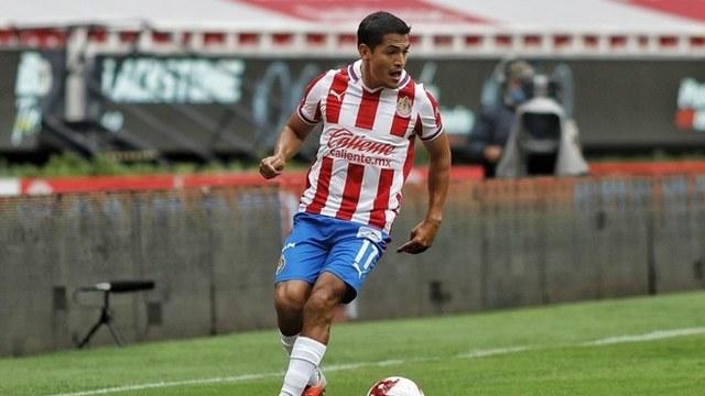 Jesús Sánchez cumple una década desde su debut con las Chivas