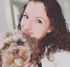 Yogi un perrito con rasgos humanos