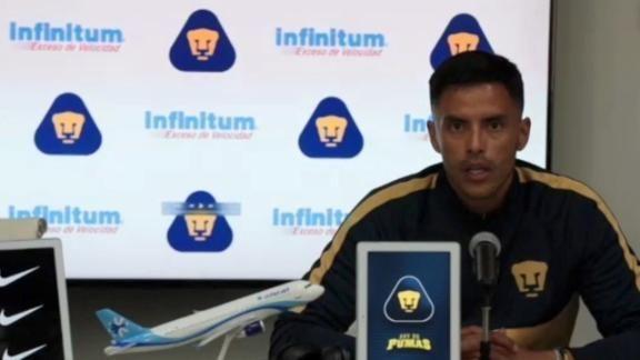 Jesús Ramírez presenta a Alfredo Talavera