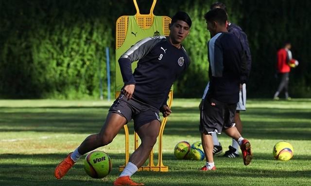 Chivas trabaja a doble turno la pretemporada