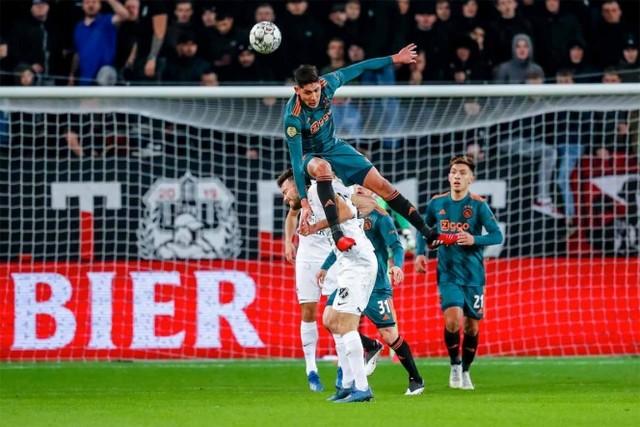 Edson Alvarez causante de la eliminación del Ajax