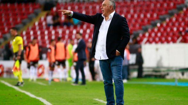 Queren en Pumas el regreso de Guillermo Vázquez