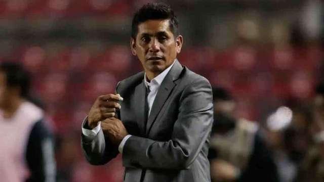 Jorge Campos si es candidato a técnico de Pumas