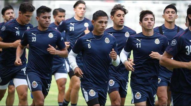 Convocados de Chivas para enfrentar a River Plate