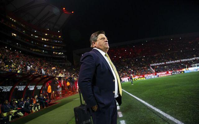 Miguel Herrera que le faltan jugadores