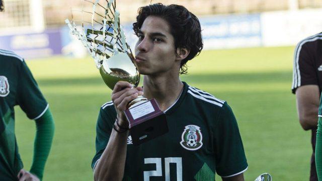 Azcárraga da apoyo a Diego Lainez