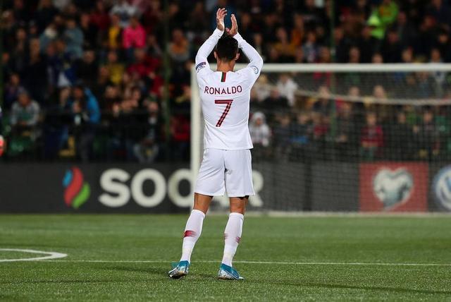 Portugal golea a Lituania 5-1 con 4 goles de CR7 (Video)