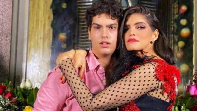 Hijo de Mariana Levy(✞) hace llorar con felicitacion a Ana Barbara