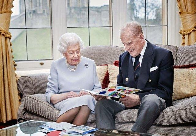Historia de amor de la reina Isabel II y el príncipe Felipe de Edimburgo
