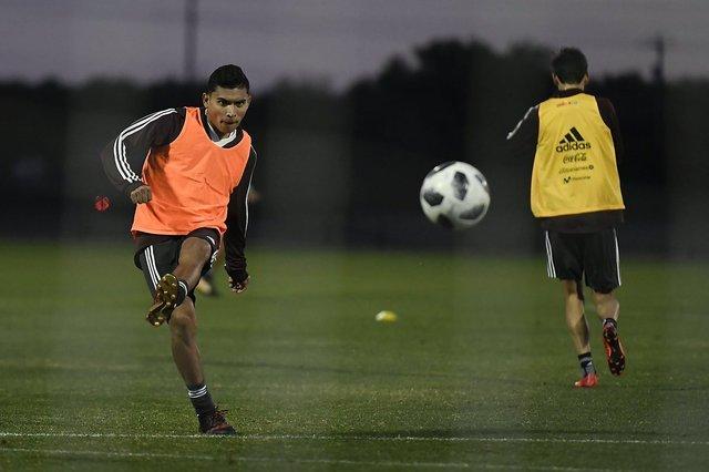 Orbelín Pineda causa baja de la selección por lesión