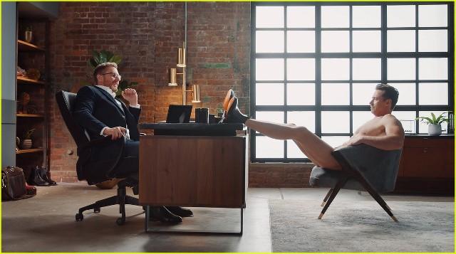 Hugh Jackman usa sus botas en el nuevo comercial de RM Williams