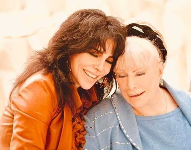 Fallece mamá de Verónica Castro a los 85 años