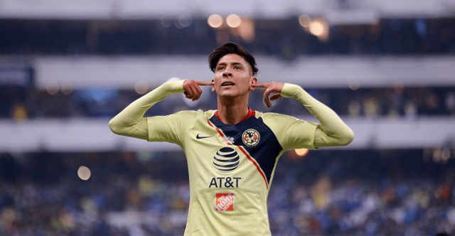 Ajax y PSV van por Edson Álvarez