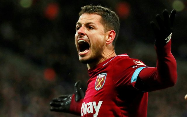 West Ham United le pone precio a Chicharito
