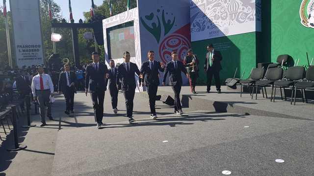 Presidente de México Peña Nieto abandera al Tri previo a Mundial de Rusia