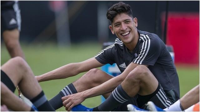 Edson Álvarez prefiere la Premier, que Ajax o PSV