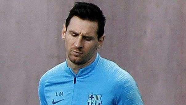 """Lionel Messi """"dolido"""" por los silbidos de los aficionados"""