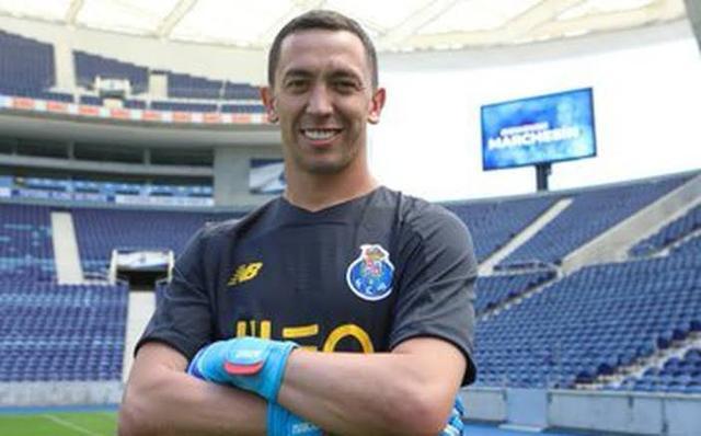 Tremendo error de Marchesín cuesta gol a Porto (Video)