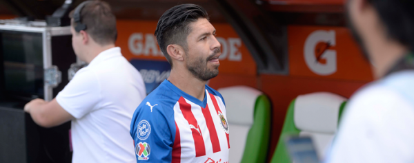 Oribe Peralta sabe que Chivas anda mal y ve lejos la liguilla