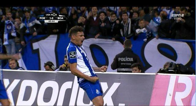 Porto con Herrera y Corona recuperan el liderato de la liga portuguesa
