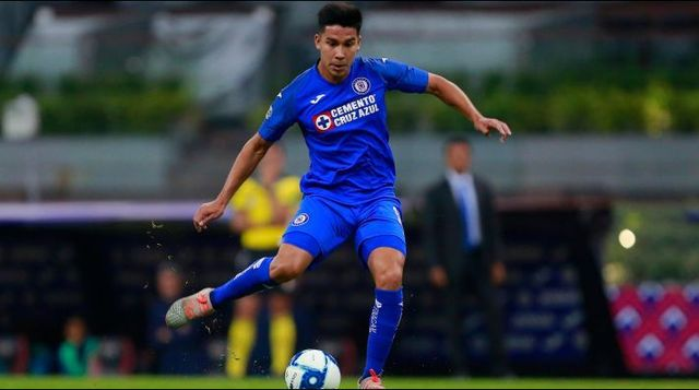 Cruz Azul confirma salida de Pol Fernández