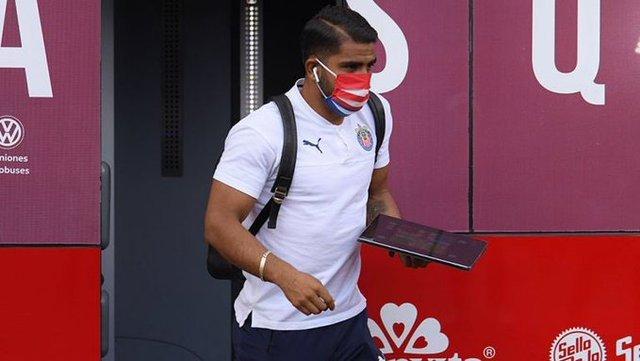 Ponce es el jugador número 6 con Covid-19 en Chivas