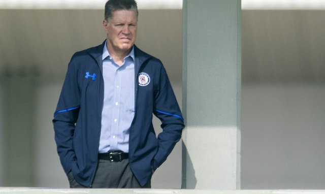 Ricardo Pelaéz pide que apoyen en el Azteca al Cruz Azul