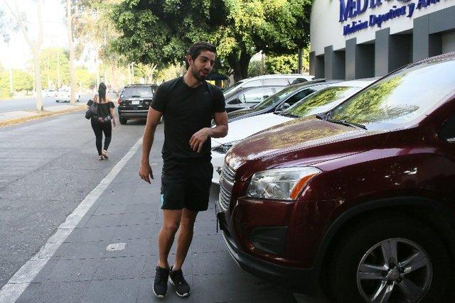 Pizarro se presenta a exámenes médicos con los nuevos de  Chivas