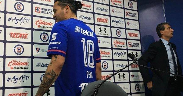 "Cruz Azul presenta a ""Gullit"" Peña"