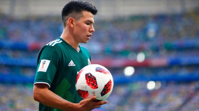 Manchester United ofrece buen dinero por Hirving Lozano