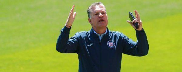 Peláez admite que no hay contundencia en Cruz Azul
