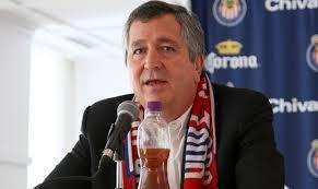 Jorge Vergara si busca vender a las Chivas