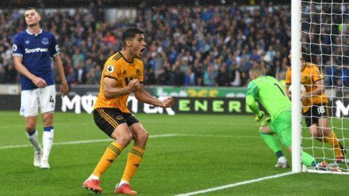 Raúl Jiménez inició con gol en la Premier League