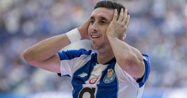 Héctor Herrera se despide del Porto