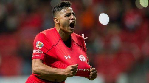Pumas dejó  ir a  Alexis Vega