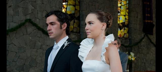 Belinda y Poncho novia vestido boda