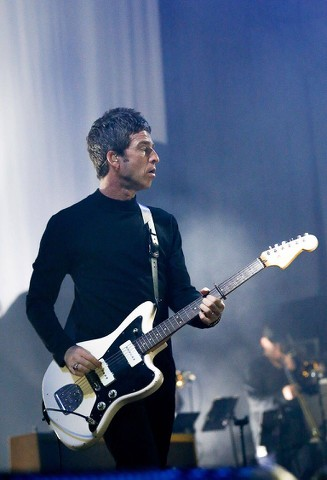 Noel Gallagher Jazzmaster.Johnny Marr Es 355
