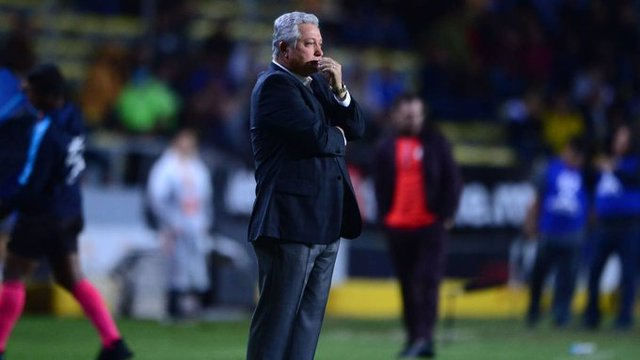 Vucetich ya sabe que portero de Chivas enfrentará al América