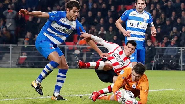 """Triunfo del PSV con gran actuación de """"Chucky"""" Lozano"""