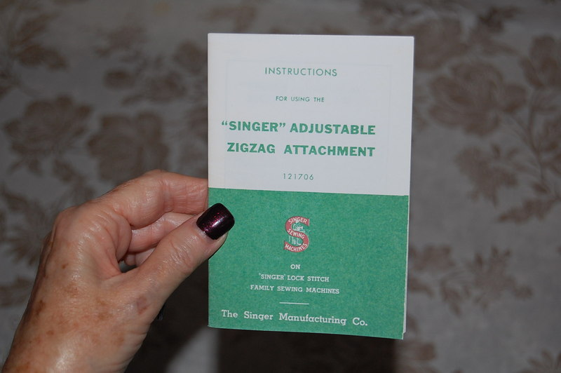 Zigzag Zigzagger Instruction Manual 121706 for Singer Sewing Machines 221 221K.