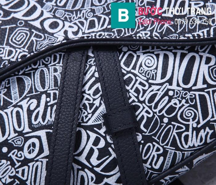 Túi xách Dior Saddle Bag {túi yên ngựa} siêu cấp da bê màu đen in trắng size 20 cm