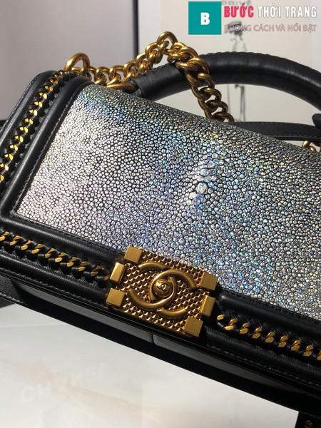 Túi xách Chanel boy siêu cấp da cá đuối màu đen bạc 1 size 25 cm - A67086