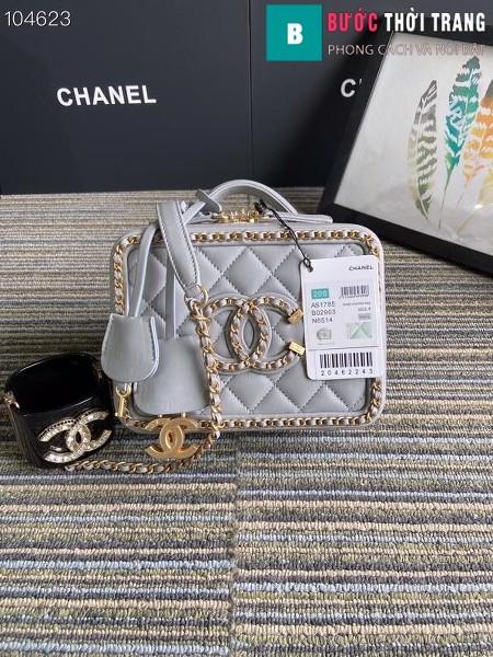Túi xách Chanel Vanity case bag siêu cấp viền xích màu trắng xanh size 18 cm